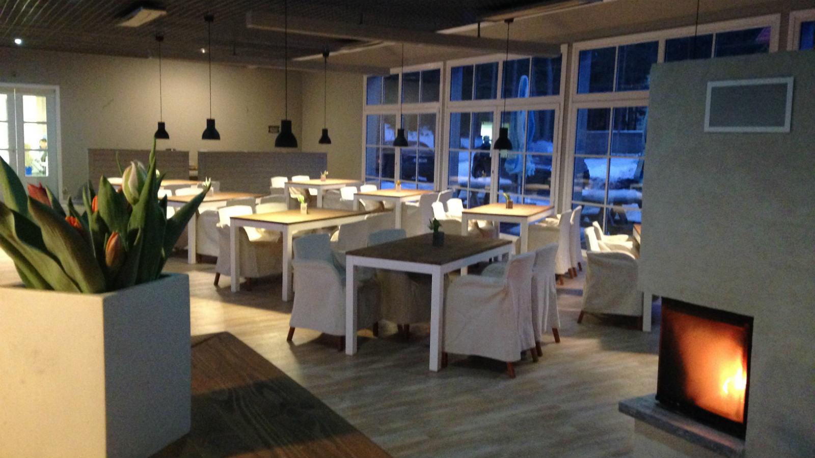 Uuenenud Valkla Ranna restoranisaal