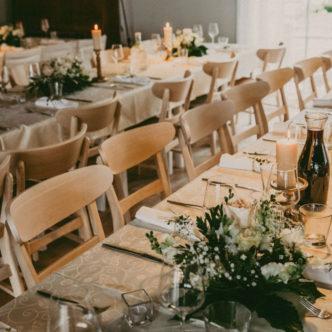 Valkla rannaresto laudlinad ja lauanõud / Foto autor: Ingrid Lauringson / Dekoratsioonid: Your Sunny Days
